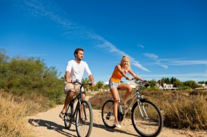 Cycling internet dating couple on holiday