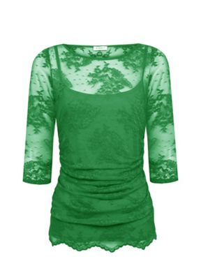 What to wear on a hot date after work? A sophisticated coloured lace top!