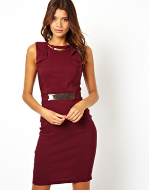 Wear this jewel toned dress for a date to a bar and dinner to blow him away!